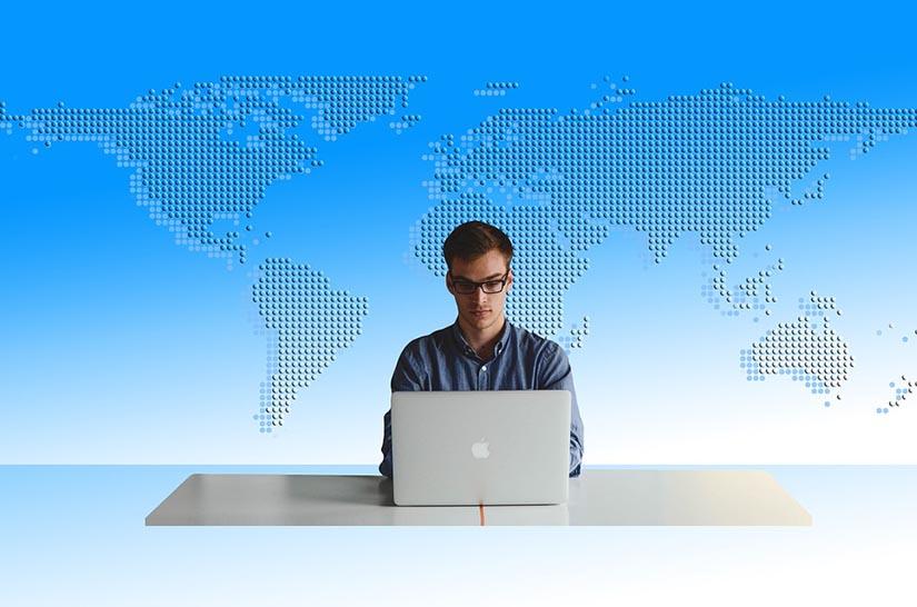 Como adaptar currículo para trabalhar no estrangeiro