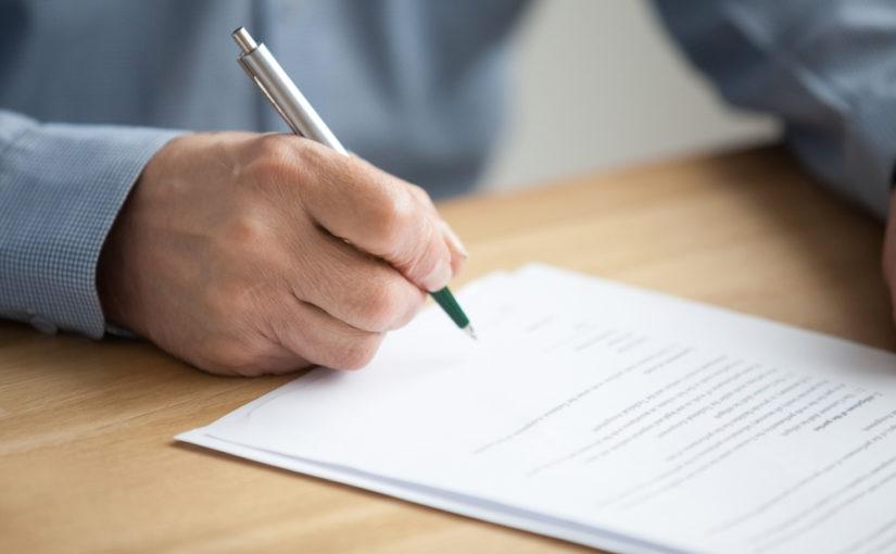 Cómo crear un CV senior breve
