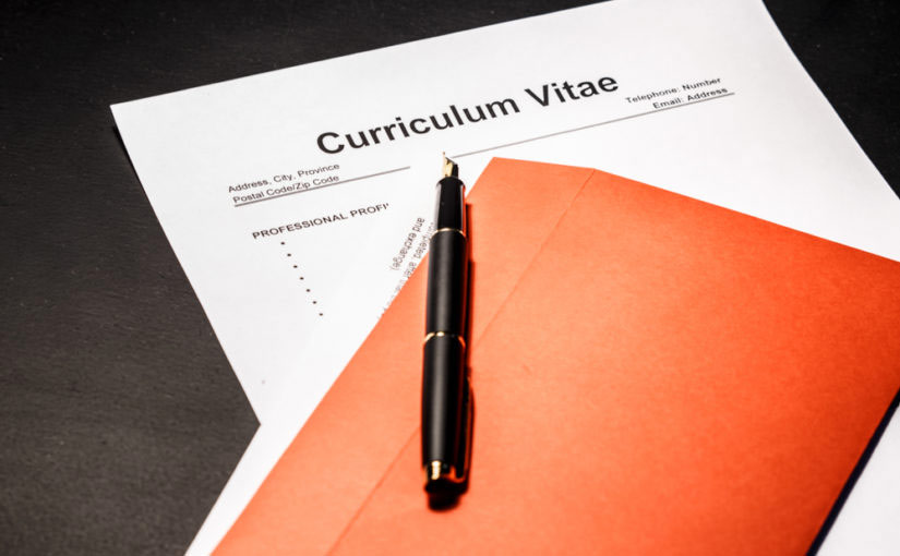 como introducir trabajos sin contrato en cv